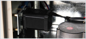 *** Động cơ bước: Là bộ phận động cơ thông minh có chức năng dùng để kéo màng từ cuộn kết hợp xác định chiều dài của túi hoạt động hiệu quả, tiết kiệm thời gian và bền bỉ.