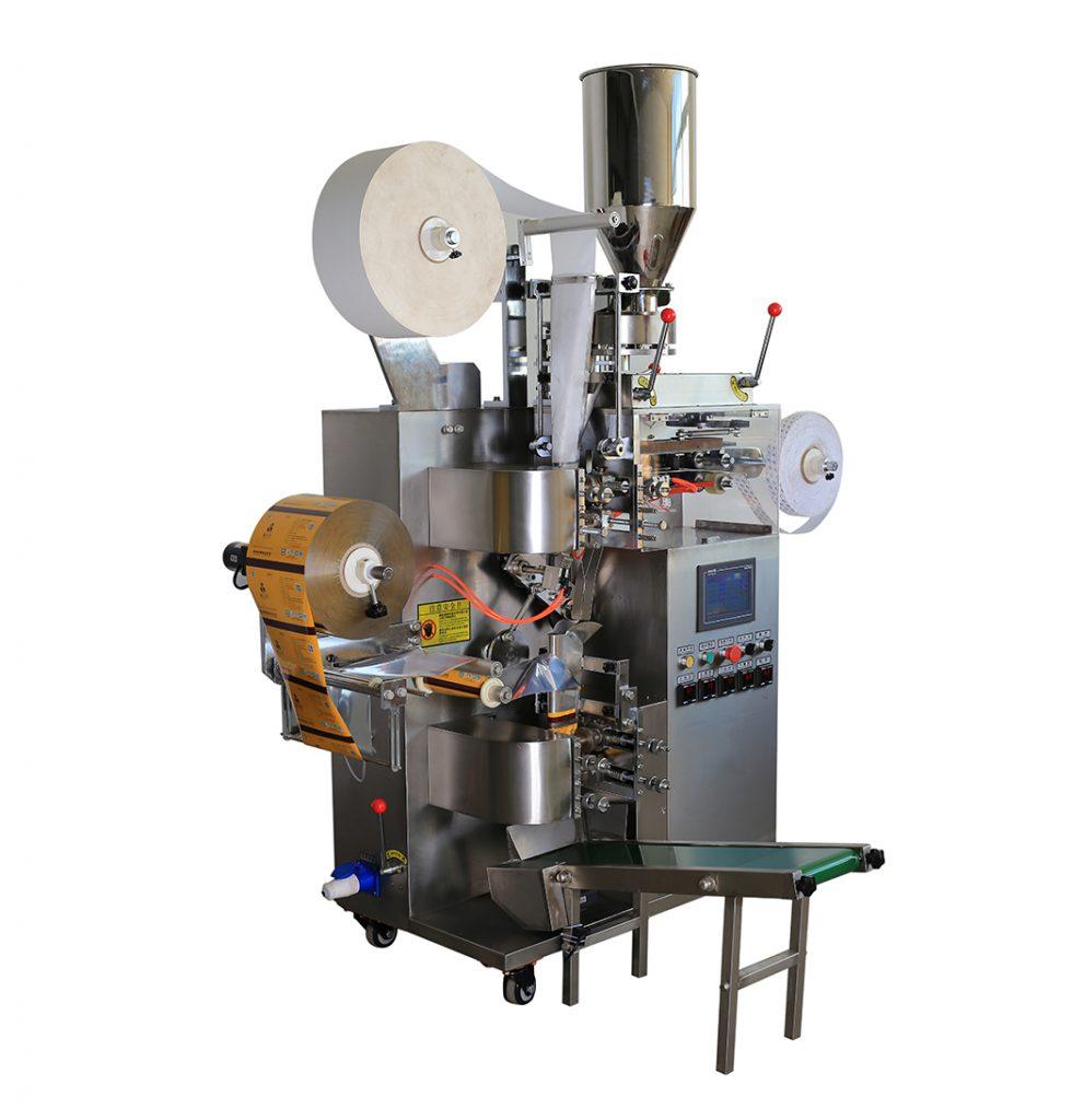 Máy đóng gói trà túi lọc 3 trong 1 dạng vừa:  Nhiều máy hiện nay, ngoài trà ra có thể đóng được nhiều thứ như cafe, các loại bột ngũ cốc các loại, thuốc dạng bột,...  Máy này là thiết bị đóng gói trà túi lọc đa chức năng tự động mới với kiểu niêm phong nhiệt mới. Tạo cho sản được sự chắc chắn vừa hình thức vừa chất lượng của sản phẩm  Túi bên trong và bên ngoài có thể được hoàn thành cùng một lúc, nâng cao hiệu quả làm việc và tránh sự tiếp xúc trực tiếp giữa tay và vật liệu đóng gói. Khác với đóng gói truyền thống, cho nên sản phẩm được nhiều cơ sở tin dùng  Túi bên trong được làm bằng giấy lọc có sẵn chỉ và gắn thẻ. Đảm bảo được vệ sinh an toàn thực phẩm  Có thể áp dụng định vị quang điện để gắn thẻ và làm túi bên ngoài.  Thiết bị tùy chọn: Máy in mã ngày.  Thông số kỹ thuật    Kiểu:    Dòng máy đóng gói túi trà      Tên sản phẩm:    Máy đóng gói túi trà tự động với chỉ, thẻ và phong bì bên ngoài     Vật liệu đóng gói:    Giấy / nhựa, Nhựa / nhựa, Giấy / nhôm, Nhựa / nhôm,     Giấy lọc, Chỉ, Thẻ giấy     Đo lường:    Dụng cụ làm đầy cốc thể tích     Tốc độ đóng gói:    40-60 túi / phút     Phạm vi làm đầy:    Khoảng 3 ~ 15ml     Kích thước túi bên trong:    L: 50-70mm, W: 40-80mm     Kích thước túi bên ngoài:    L: 70-120mm, W: 60-90mm     Kích thước thẻ:    L: 20-24mm, W: 40-55mm     Chiều dài sợi chỉ    155mm     Quyền lực:    220V / 50HZ / 3,7KW     Cân nặng:    500kg     Kích thước (L * W * H):    1250 * 700 * 1800mm
