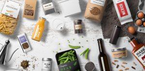 """Các loại bao bì xuất hiện đã thay đổi cách sống của chúng ta như thế nào? Bao bì đảm bảo việc bảo vệ các sản phẩm được phân phối trên thị trường với mục đích bán, lưu trữ, sử dụng,... luôn được vệ sinh an toàn thực phẩm, hạn chế được các vi khuẩn, các tác nhân từ môi trường lên sản phẩm chúng ta,... Một số sản phẩm đóng gói phổ biến bao mà chúng ta thường sử dụng hiện nay để phục đời sống gồm hộp( hộp cơm, hộp nhựa, hộp dạng giấy,...) thùng carton, lon, chai, túi, phong bì, giấy gói và hộp đựng,.... các sản phẩm đều là bao bì để đựng các sản phẩm của các nhà sản xuất trước khi đưa đến tay người sử dụng,... Với nhu cầu sử dụng ngày càng tăng về bao bì, nhiều công ty đã bắt đầu tìm cách và kỹ thuật để bán sản phẩm của họ thông qua việc thiết kế và đóng gói tốt hơn. Thiết kế bao bì hấp dẫn, chắc chắn không chỉ giúp bảo vệ sản phẩm khỏi bị vỡ và hư hỏng mà còn giúp thu hút sự chú ý của người tiêu dùng cuối cùng. Và đối với nhu cầu cần giảm lượng rác thải như hiện nay, các nhà kinh doanh đang tìm các loại bao bì có thể tự phân hủy trong môi trường tự nhiên Bạn muốn tìm hiểu về các loại bao bì của máy đóng gói, hãy đến với chúng tôi - Công ty Máy Đóng Gói An Thành để tham khảo và đánh giá chúng trực tiếp hơn: Việt Nam đang trong giai đoạn hội nhập mạnh mẽ với thế giới trên mọi phương diện. Đây là cơ hội, thách thức, đang chờ đón chúng ta ở phía trước. Công ty Máy Đóng Gói An Thành sẽ không ngừng lắng nghe những ý kiến góp ý đầy thiện chí, cũng như những phê bình nghiêm túc để phấn đấu nâng cao chất lượng sản phẩm, nâng cao năng lực cạnh tranh, cải tiến quy trình quản lý, và cải thiện chất lượng sản phẩm và phục vụ theo phương châm: """"Không ngừng học hỏi, không ngừng cải tiến, không ngừng sáng tạo"""". Công ty Máy Đóng Gói An Thành luôn trân trọng giá trị nền tảng cho sự phát triển, đó là các cơ hội được hợp tác với Quý khách hàng. Và không có bất kỳ khó khăn nào có thể ngăn cản chúng tôi mang lại những giá trị tiện ích phù hợp với mong muốn và lợi ích của Quý khách hàng. Chún"""